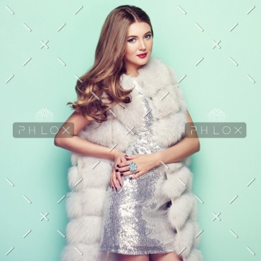 demo-attachment-147-fashion-portrait-young-woman-in-white-fur-coat-PZ74KRU